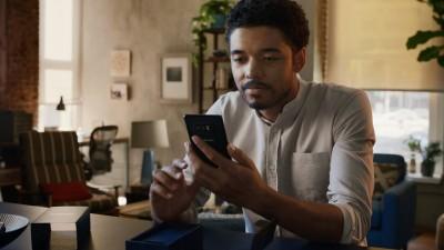 Samsung Galaxy высмеяла смартфоны Apple Iphone