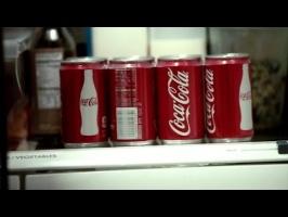Как Coca-Cola заставляет потребителей платить больше за более маленькие баночки